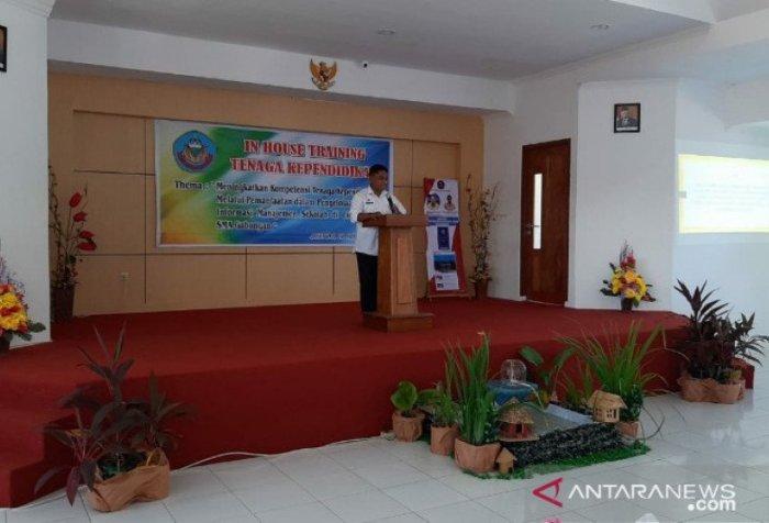 Papua province education office