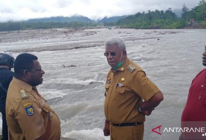 flash flood in Mimika