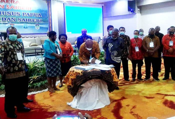 Tabi - Saireri regents agreed that special autonomy for Papua continues