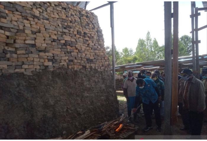Papua first brick-making