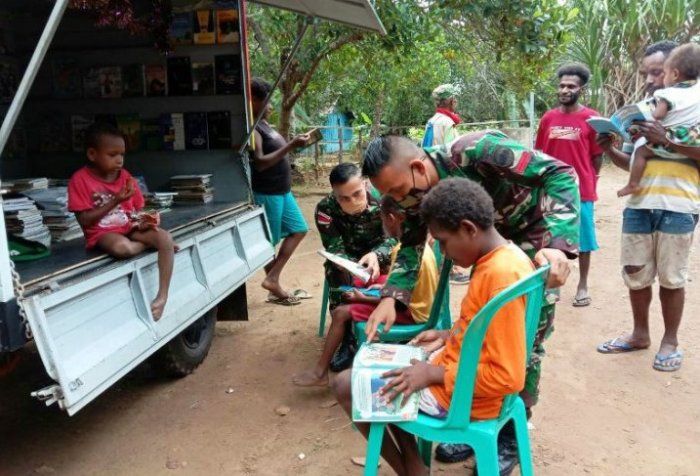 boosting Papuans' literacy