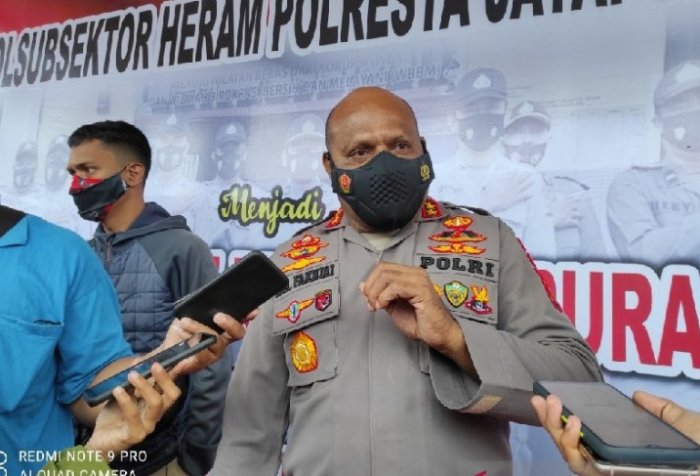 Armed Papuans end resistance